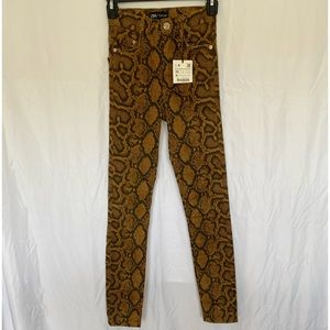 Zara High Rise Snakeskin Print Jeans New With Tag